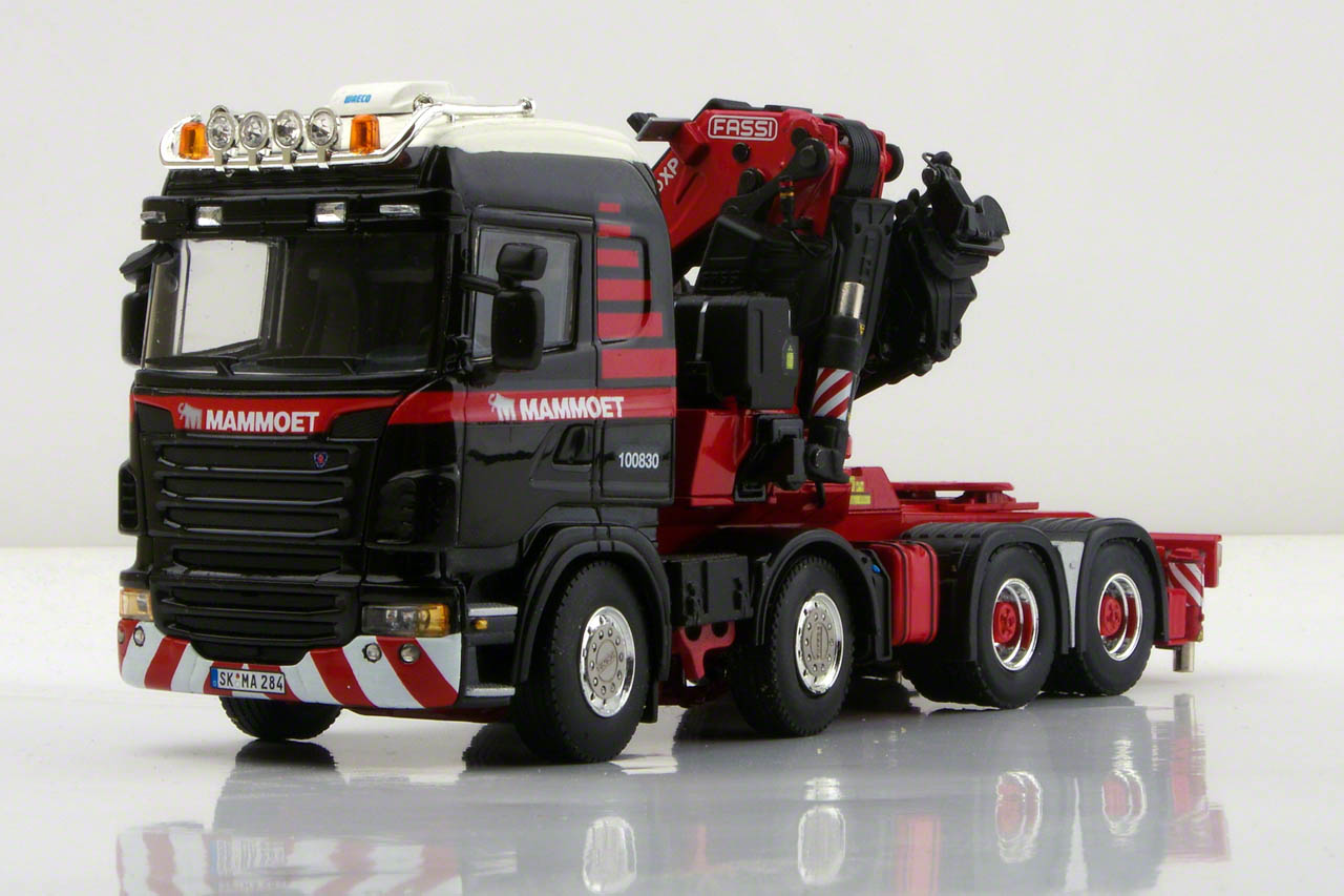 Scania tractor with crane