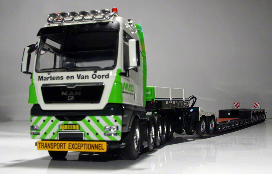 MAN TGX with Nooteboom Pendel-X lowloader (WSI)